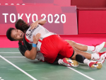 Indonesia upsets China in badminton women's doubles
