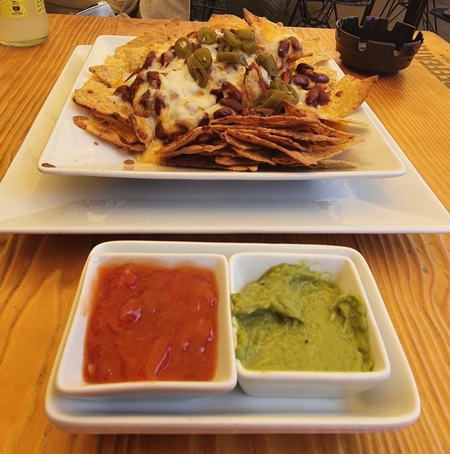 Nachos Indian (Chili and Beans)
