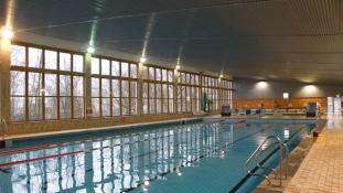 Schwimmhalle Baumschulenweg