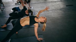 Hip Hop Yoga - BOOM BäNG NAMASTE YOGA
