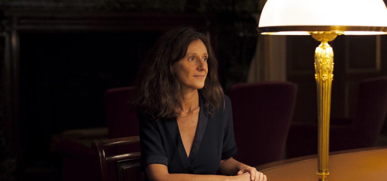 Elise Fajgeles, de Sartrouville à l'Assemblée nationale, artiste et engagée.