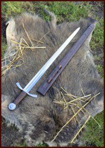 Kruisridder zwaard met schede voor Decoratie