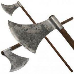 13e-14e eeuwse bijl met lange steel