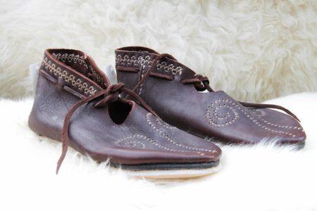Slavische dames schoenen in maat 42