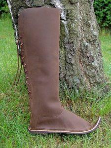 Middeleeuwse Lange Laarzen met punt Bruin