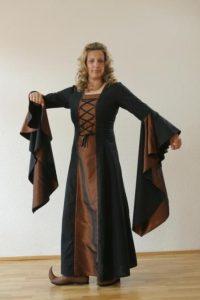 Middeleeuwse Jurk in Zwart met Bronskleur
