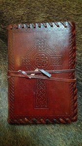 Mittelalter Lederbuch mit Keltischen Kreuz