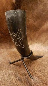 Drinkhoorn met magische speer van Odin tijden Ragnarok