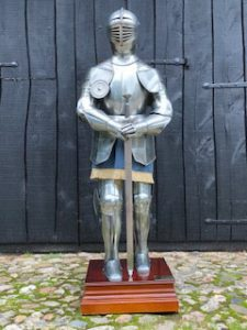 Harnas Compleet Gladius met zwaard en op Sokkel