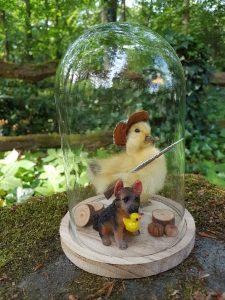 "Entenküken Präparat ""The Duck Hunter With Dog and Prey"" in formatierte Stolpe`"