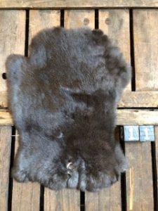 Kaninchenfell Dunkel Large +/- 45 x 30 cm