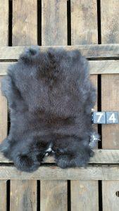 Konijnenvacht Donkere kleur Large +/- 43 x 34 cm