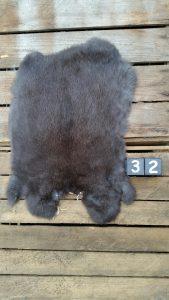 Konijnenvacht Donkere kleur Large +/- 40 x 29 cm
