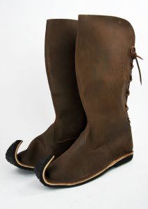 Middeleeuwse Lange Laarzen met punt in Bruin