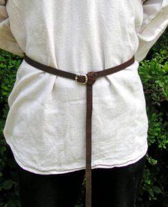 Laat Middeleeuwse Riem 1250 - 1400 Bruin van 1.5 cm breed
