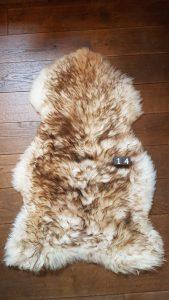Schapenvacht Mouflon XXL +/- 120 x 75 cm