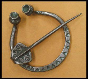 Viking Fibula 10e eeuws Brons
