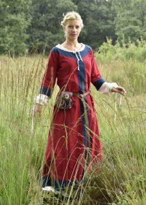 Wikinger, Frühmittelalterliches Kleid 6Jh. - 9Jh. rot/blau