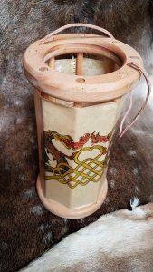 Viking Lantaarn, handbeschilderd met Draken en keltisch Knoopwerk met ophangkoord