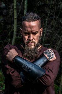 Viking polsbeschermer set in Zwart