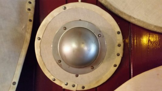 Wikinger Rundschild mit Schmiedenageln befestigt 35 cm