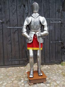 Mittelalter Ritter Rustung nr: 1 gravierd mit Schwert