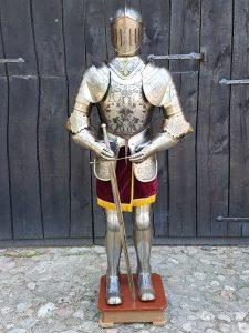 Harnas - Ridder Nr: 2 - gegraveerd met zwaard