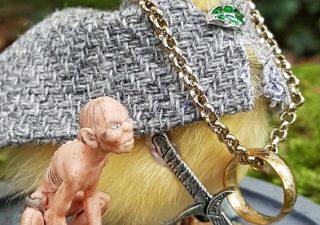 Eendje Lord of The Rings `Frodo My Precious` in opgemaakte Stolp - Taxidermy - Opgezet - Geprepareerd