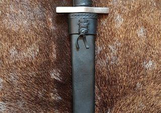 Middeleeuwse Dolk met Schede 13e - 14e eeuws