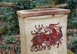 Wikinger Rohhautlaterne mit Runestein Drache Motiv