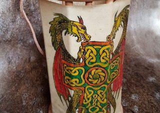 Viking Lantaarn, handgemaakt en handbeschilderd met Draken en Kruis