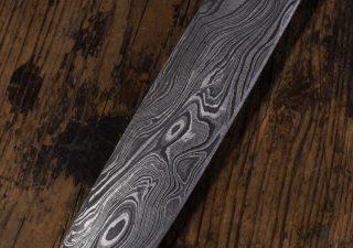 Wikingermesser mit Damastklinge und Holzgriff mit Scheide