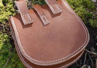 Wikinger Tarsoly Gürteltasche Leder, nach einem Originalfund nahe Karos, Ungarn