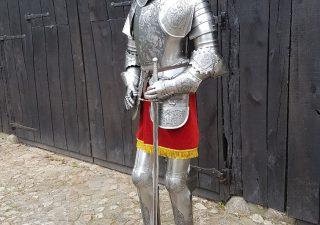 Harnas - Ridder Nr: 1 - gegraveerd met zwaard