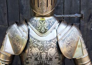 Mittelalter Ritter Rustung nr: 2 gravierd mit Schwert