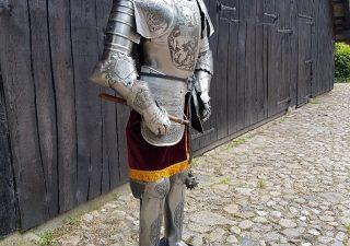 Harnas - Ridder Nr: 4 - gegraveerd met morgenster