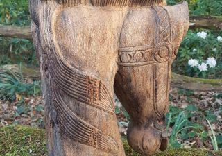 Einzigartigen geschnitzten Pferdekopf aus einem Stück Hartholz