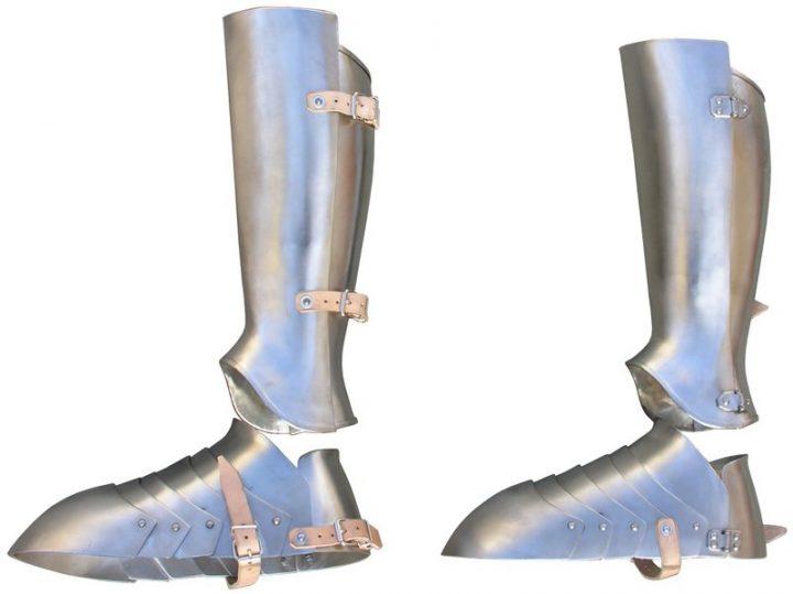Harnas schenen en schoenen