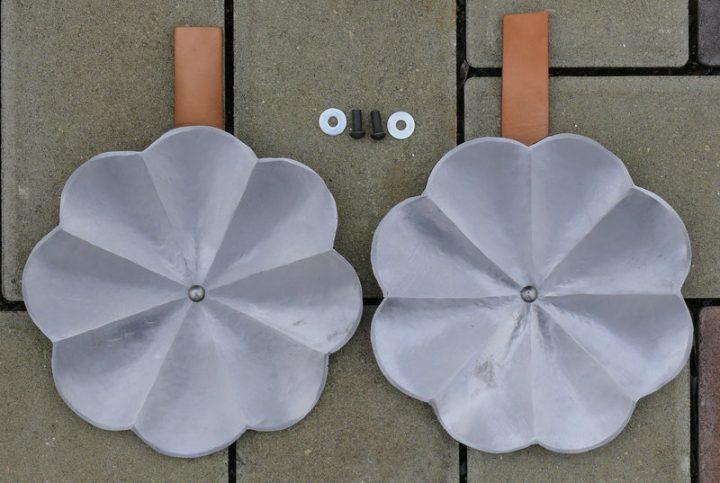 Paar Schwebscheiben auf Brustpanzer hvpef-0685