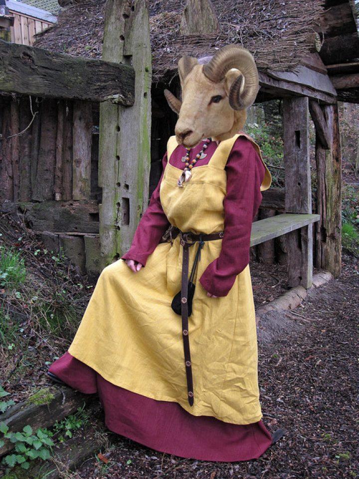 Wikinger damen kleidung linnen
