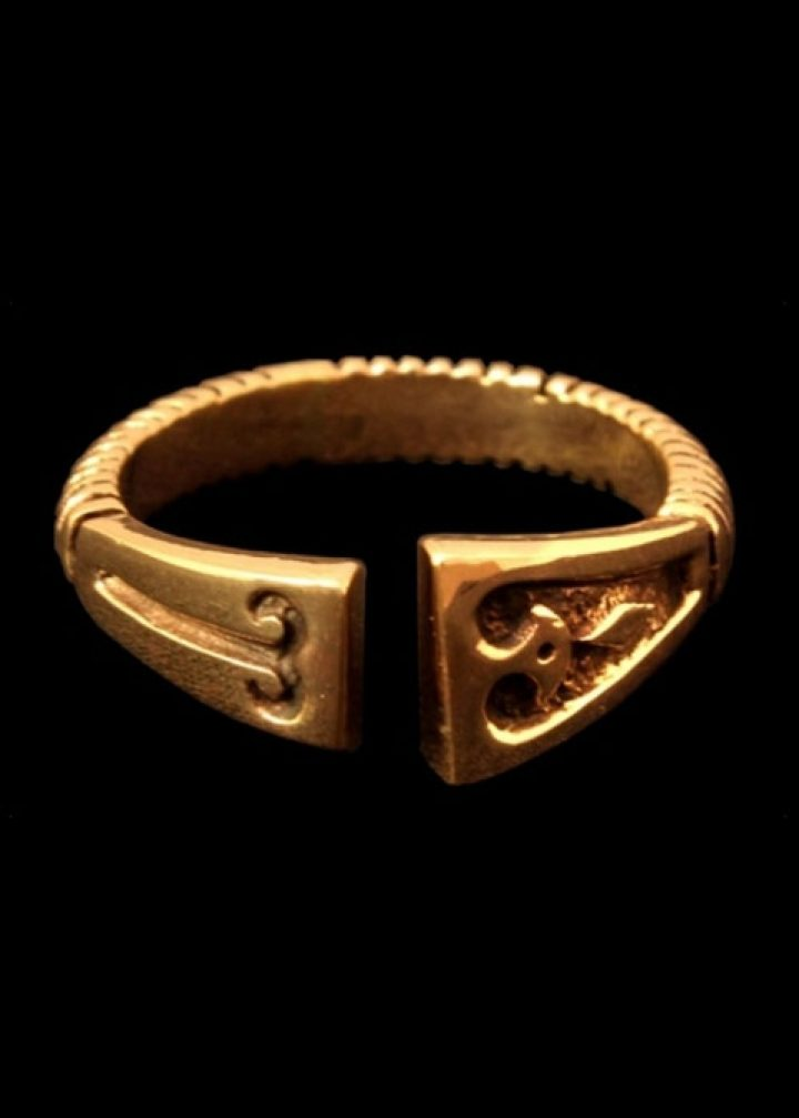 Viking ring met diamant patroon