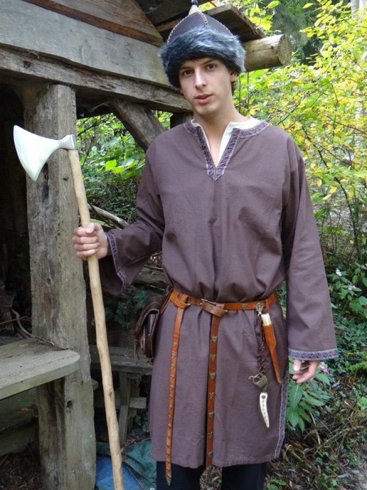 Middeleeuws-Viking Tuniek in Bruin