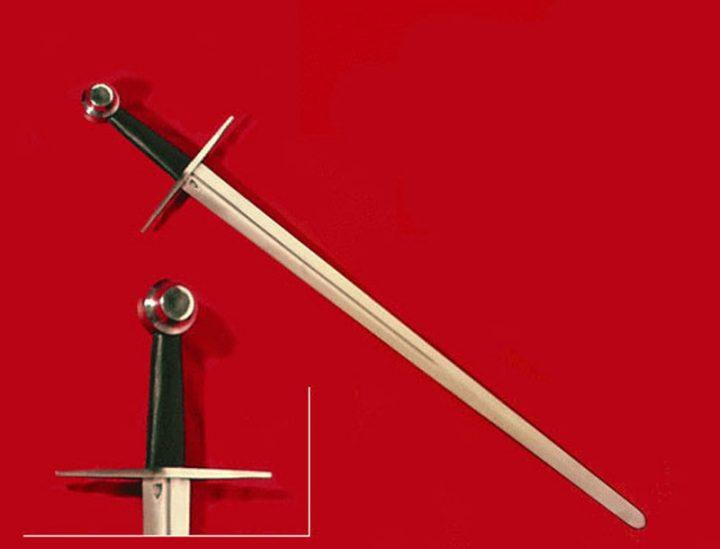 1 hand zwaard 13 e eeuws