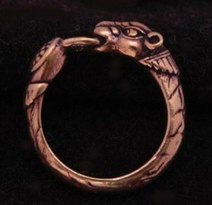Viking ring met Hondenkop Brons