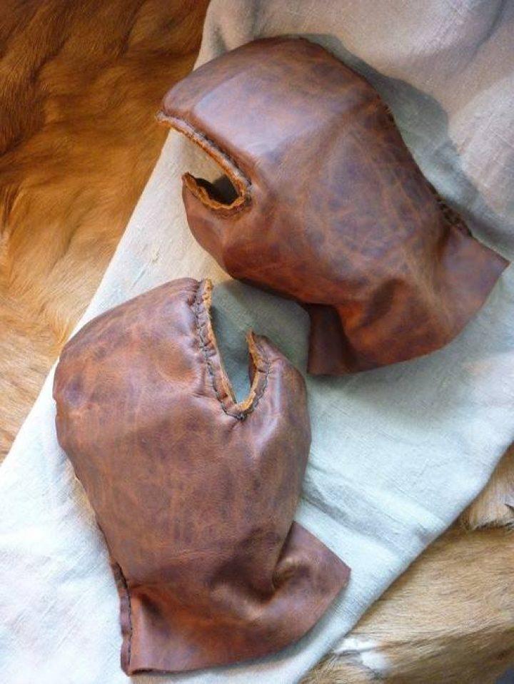 Wikinger Pantzer Handschuhe Leder mit metalplatten links oder rechts