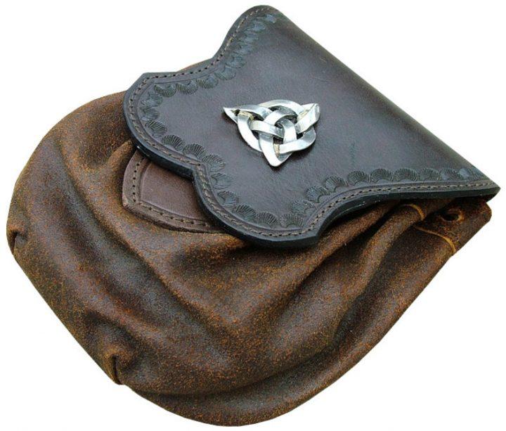 Middeleeuwse Tas met Keltische Knoop
