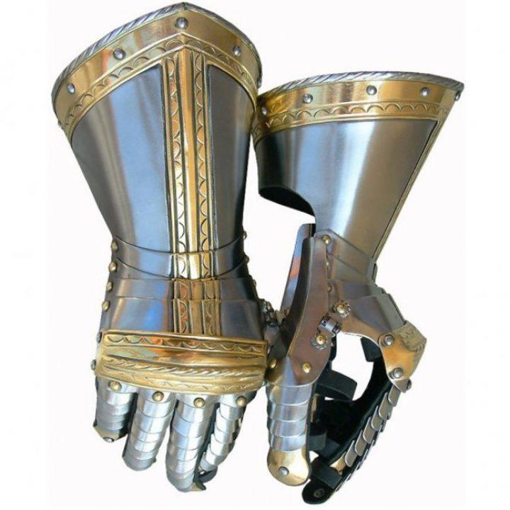 Pantserhandschoenen 16e eeuws
