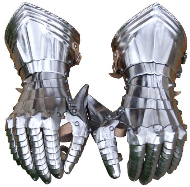 Pantserhandschoenen rond 1490