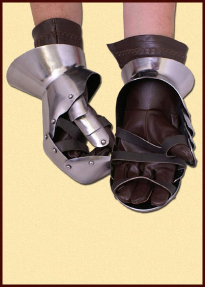 Handschoenen Middeleeuws ca. 1440