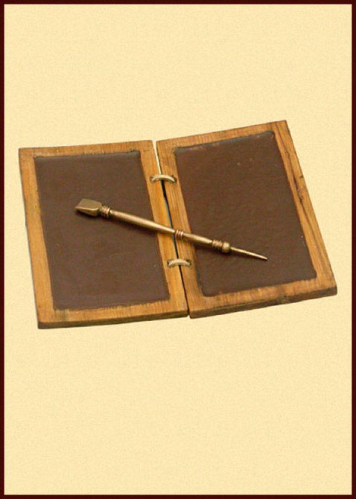 Römische Schreibtafel aus Wachs und Holz mit Bronzestift